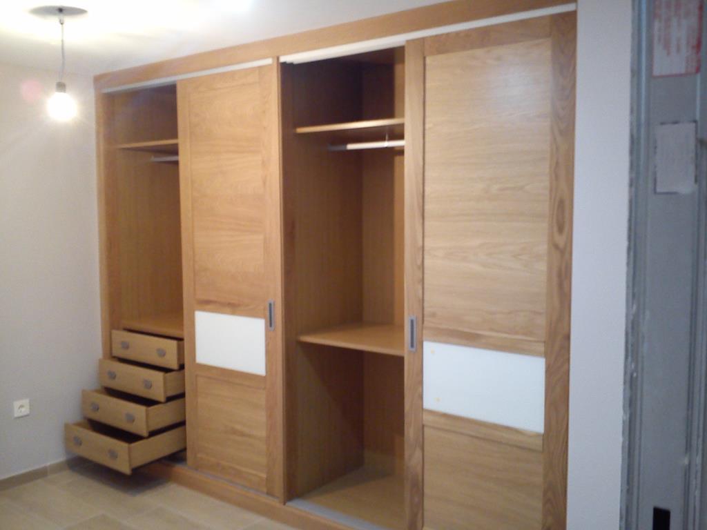 Apoyo y montaje armarios archives apoyo y montaje for Puertas para closet minimalistas